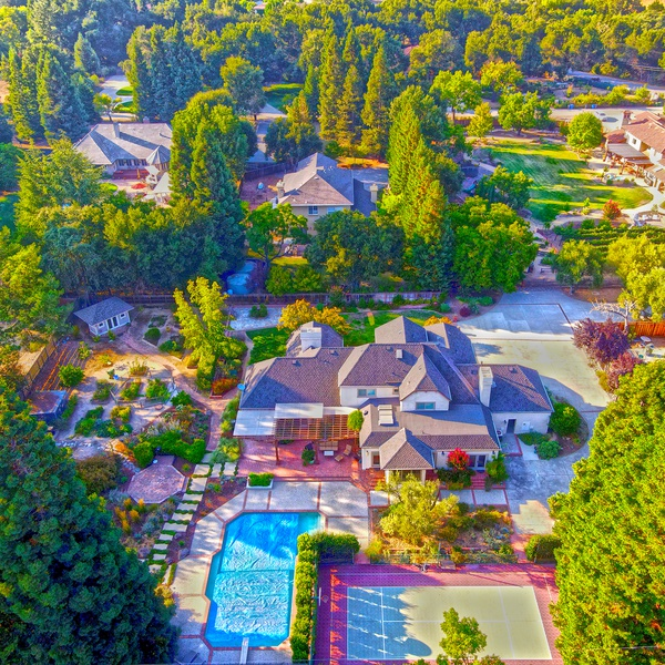Open & gorgeous mansion in Morgan Hill, CA