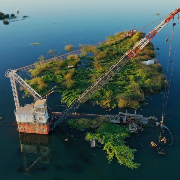 Landmark Crane