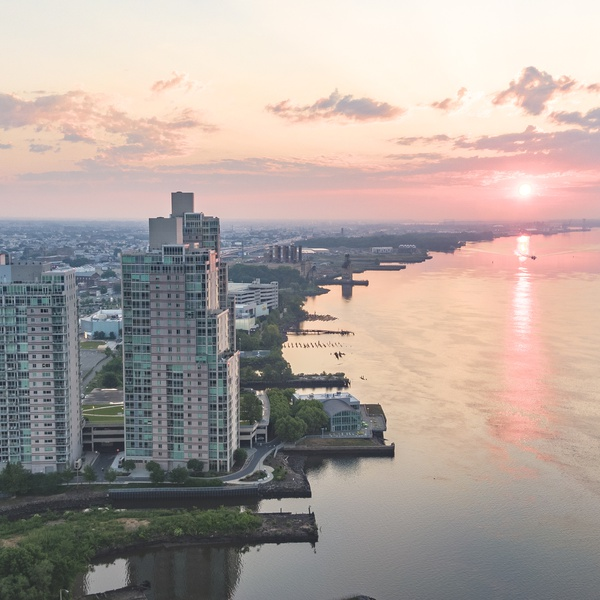 A beautiful sunrise over the delaware river in Philadelphia.