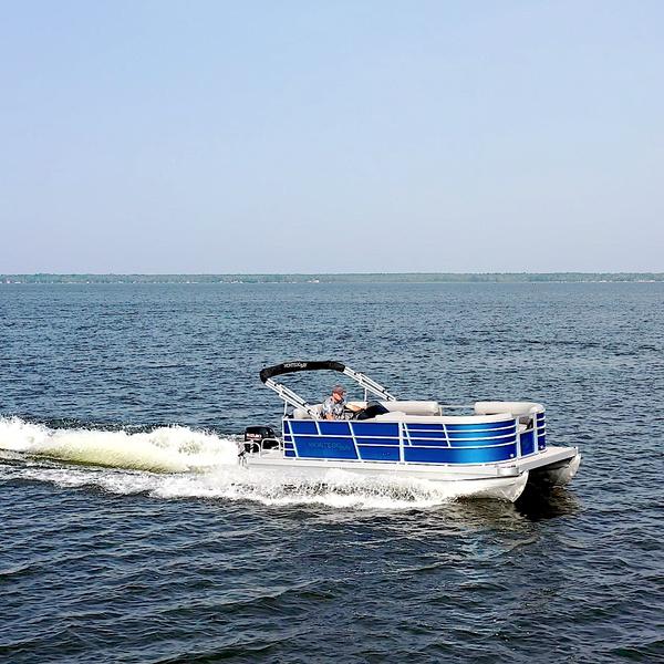 Montego Bay Pontoon C8518-DLX-EBL-G Running